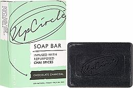 Perfumería y cosmética Jabón exfoliante con carbón activado y manteca de cacao - UpCircle Chocolate Charcoal Chai Soap Bar