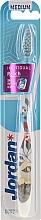 Perfumería y cosmética Cepillo dental de dureza media, gris blanco con pétalos - Jordan Individual Reach Toothbrush