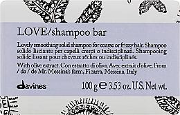 Perfumería y cosmética Champú sólido para cabello rebelde y rizado con extracto de oliva - Davines Essential Haircare Love Smooth Shampoo Bar