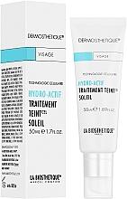 Perfumería y cosmética Emulsión hidratante con color para rostro con extracto de romero - La Biosthetique Dermosthetique Hydro-Actif Traitement Teint Soleil