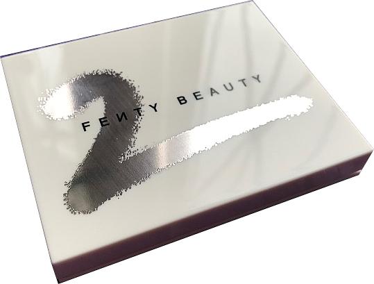 Paleta de sombras de ojos - Fenty Beauty by Rihanna Eyeshadow Palette