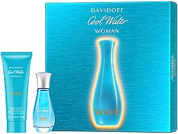 Perfumería y cosmética Davidoff Cool Water Wave Woman 2018 - Set (Eau de Toilette 30ml + loción corporal 75ml)