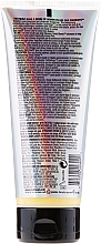 Tratamiento reconstructor para cabello tratado quimicamente - Tigi Bed Head Colour Combat Dumb Blonde Conditioner — imagen N2