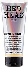 Tratamiento reconstructor para cabello tratado quimicamente - Tigi Bed Head Colour Combat Dumb Blonde Conditioner — imagen N1