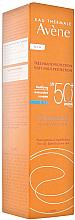 Perfumería y cosmética Crema protectora solar matificante con agua termal de Avéne para pieles grasas, SPF 50+ - Avene Solaires Cleanance Sun Care SPF 50+