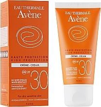 Perfumería y cosmética Crema protectora solar hipoalergénica, resistente al agua, SPF 30 - Avene Sun High Protection Cream SPF 30