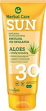 Perfumería y cosmética Emulsión de protección solar resistente al agua con Aloe vera - Farmona Herbal Care Sun SPF 30