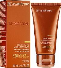Perfumería y cosmética Crema protectora solar regeneradora con 0,1% ácido hialurónico SPF 20+ - Academie Bronzecran Face Age Recovery Sunscreen Cream