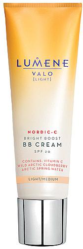 BB crema iluminadora facial vegana con vitamina C, SPF 20 - Lumene Valo Bright Boost BB Cream SPF20 — imagen N1