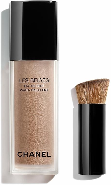 Agua de maquillaje con microburbujas de pigmentos con extracto de tamarindo - Chanel Les Beiges Eau De Teint