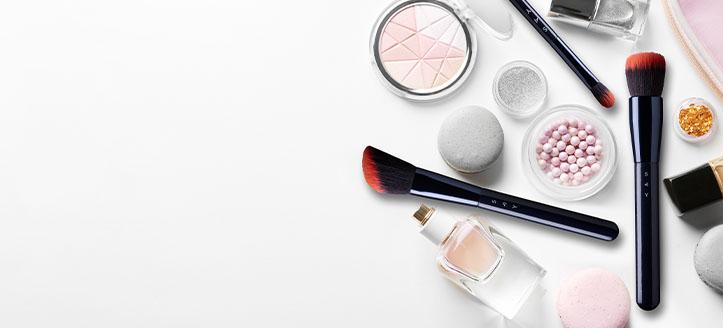 Rebajas del 10% en toda la gama de productos Say Makeup. Los precios indicados tienen el descuento aplicado.