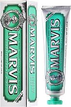 Perfumería y cosmética Pasta dental con xilitol - Marvis Classic Strong Mint + Xylitol