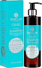 Perfumería y cosmética Champú estimulante anticaída con gluconato de zinc, cafeína, arginina y ginseng - BasicLab Dermocosmetics Capillus Anti Hair Loss Stimulating Shampoo
