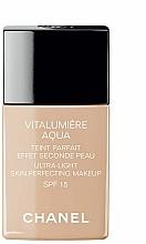Perfumería y cosmética Base ligera de maquillaje iluminadora con agua de loto y ácido hialurónico, SPF 15 - Chanel Vitalumiere Aqua