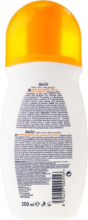 Spray de protección solar media, con complejo multivitamínico y betacarotenos A/E/F - Astrid Sun Moisturizing Milk Spray SPF 15 — imagen N2